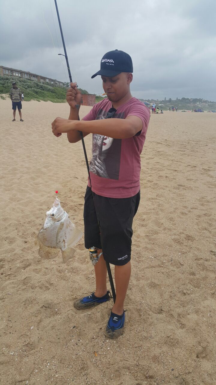 Hi guys, i caught this at Winkelspruit on Saturday with sealice and mackeral fillet, anyone know wha